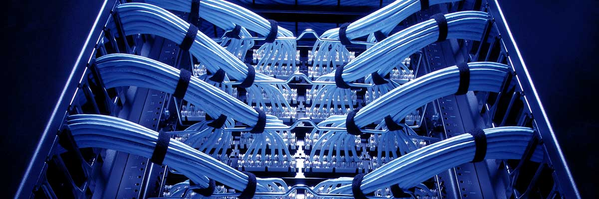 Server rack with exemplary cabling